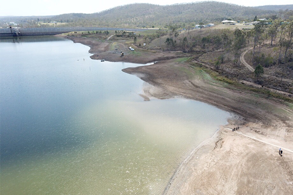 'A national scandal': Queensland dam emptied into the sea