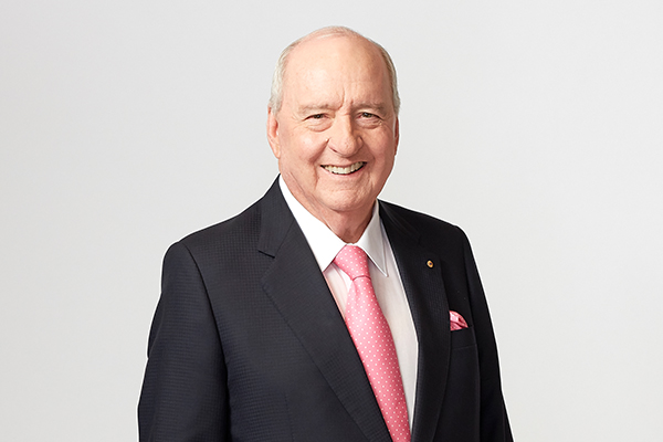 Article image for Alan Jones gives his British election predictions live from the UK