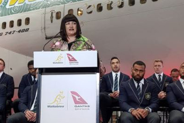 Rugby Australia chairman calls in to insist Raelene Castle won't be sacked
