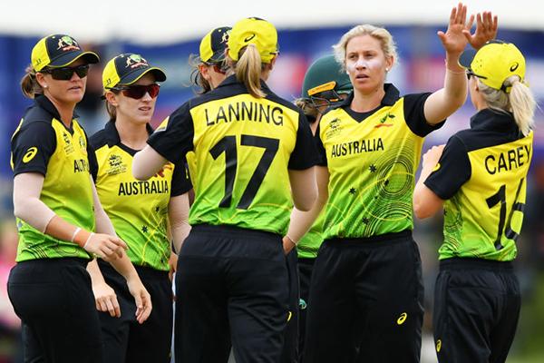 Alan Jones full of praise for 'the greatest women's sporting team in the world'