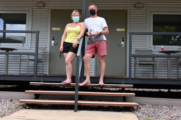 'We're being treated very, very well': Aussie couple quarantined in Darwin