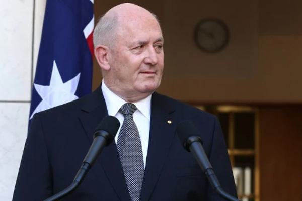 Sir Peter Cosgrove joins the bushfire recovery effort