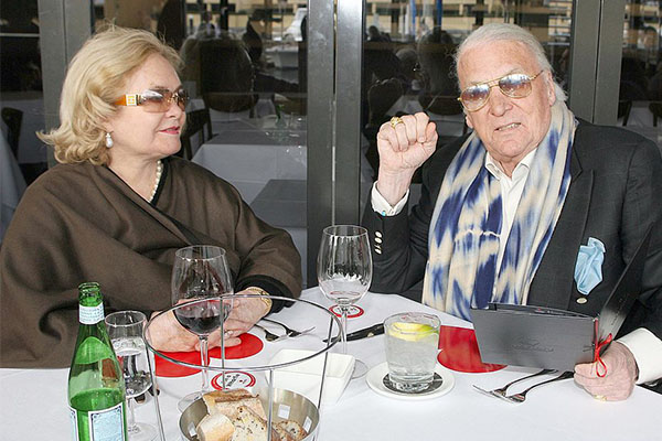 Article image for Ray Hadley's message to John Laws after the death of his wife