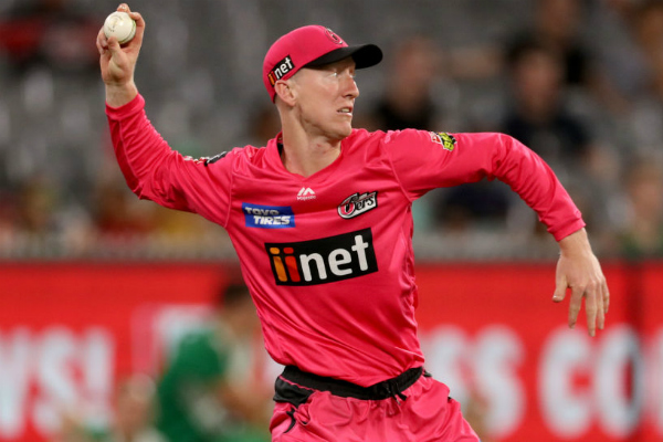 Article image for Jordan Silk's radical solution to unusual fielding tactic