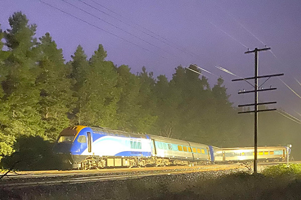 Article image for Deputy PM refuses to admit there were warnings ahead of fatal derailment
