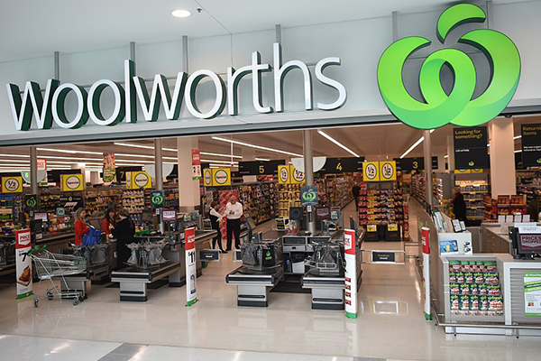 Woolworths leaves the elderly waiting in line for little to no stock