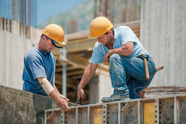 Australian tradies desperate for further funding to stay alive