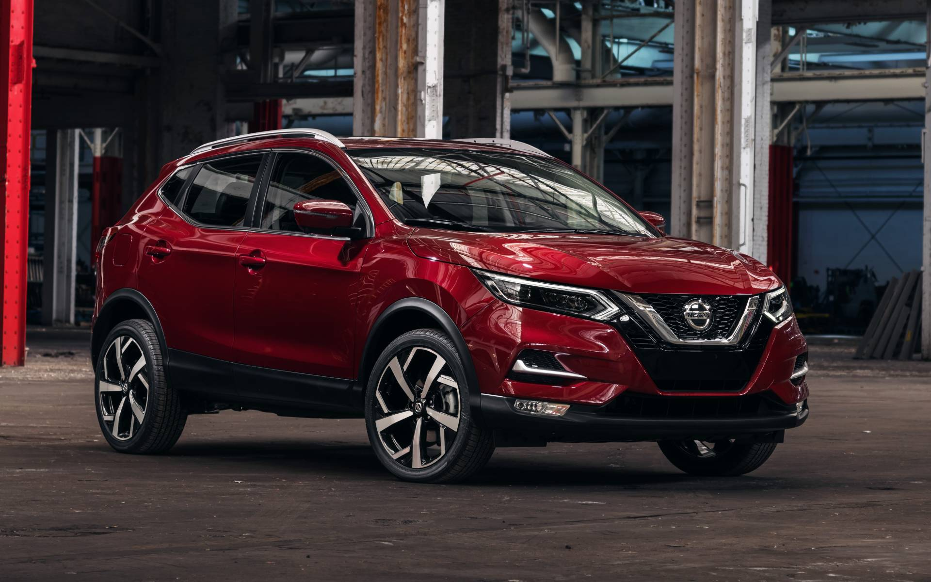 Nissan's good looking small Qashqui SUV gets some worthwhile updates.