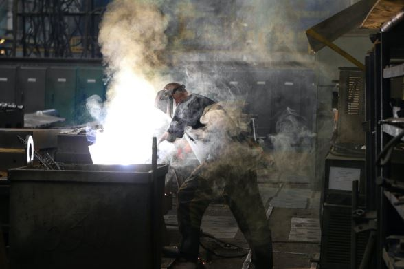 Aussie manufacturers reveal why Australia can't compete with China