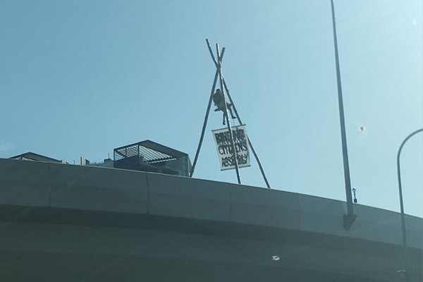 Article image for 'Lunacy' in Brisbane CBD as Extinction Rebellion stop traffic