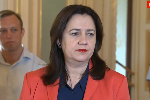 Article image for Mayor 'Pineapple' ruled out of Rocky by Annastacia Palaszczuk