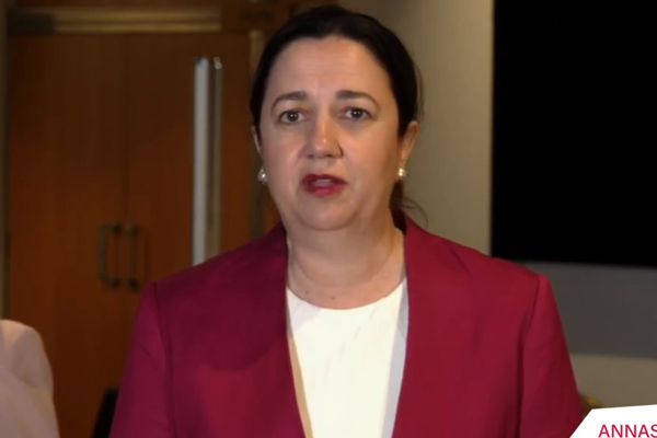 New coronavirus outbreak sees Queensland Premier rush to close border