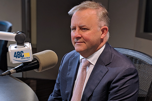 Article image for Anthony Albanese laughs off calls to step down
