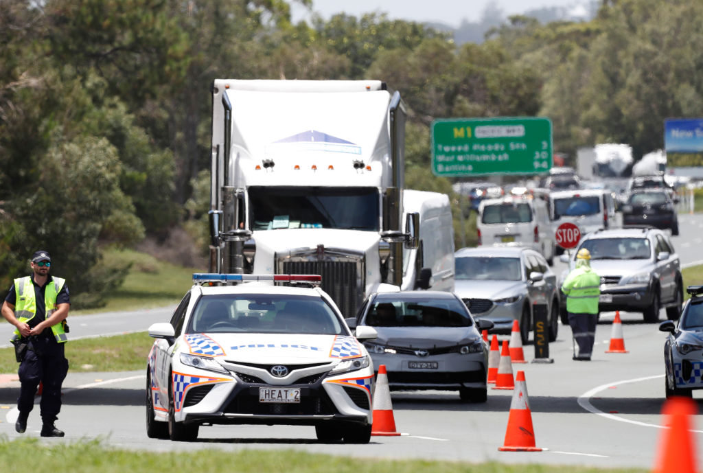 Article image for Drivers place police resources under strain at border checkpoints