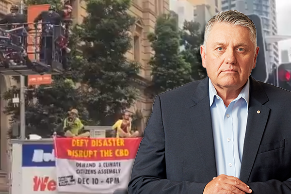 Article image for 'Just clean them up!': Ray Hadley condemns response to Extinction Rebellion stunt