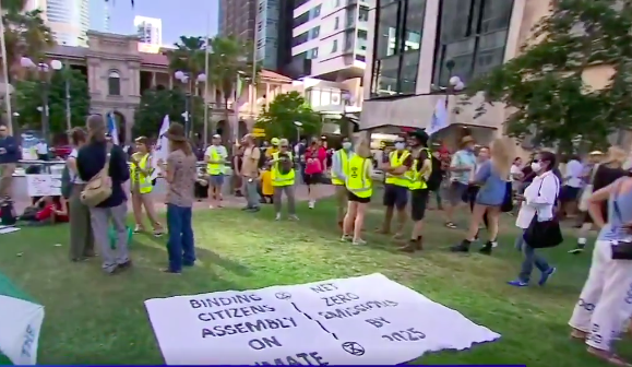 Climate activists stage peak hour protest for the second time this week
