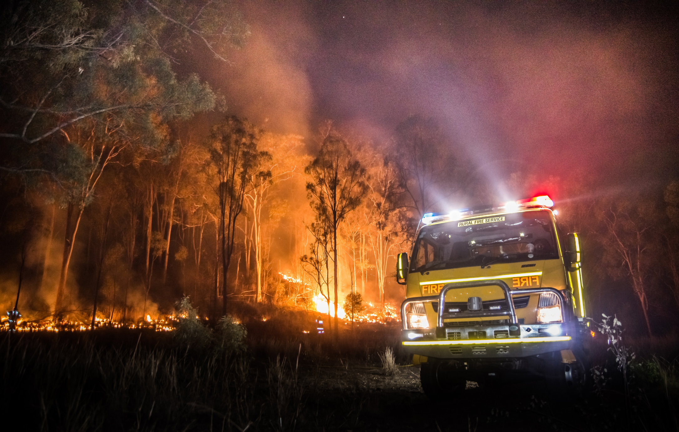 Article image for Fraser Island fire: Neil Breen quizzes fire chief over Happy Valley response