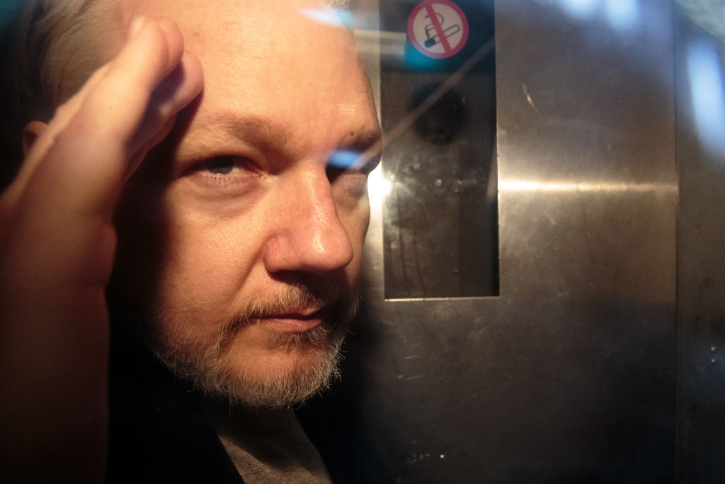 Article image for Julian Assange extradition appeal stokes anger at Australian government