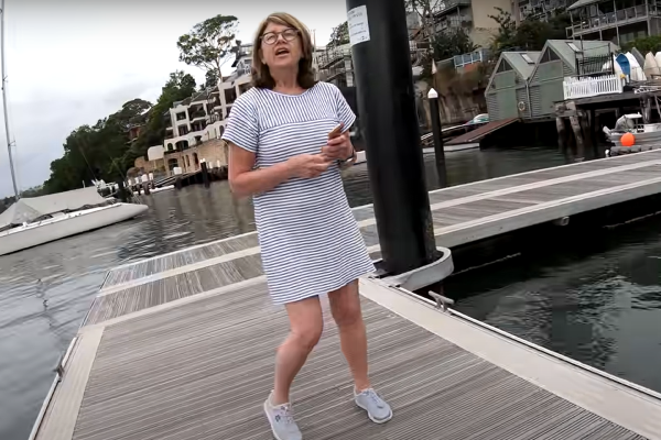 Article image for 'Karen' threatens fisherman on jetty
