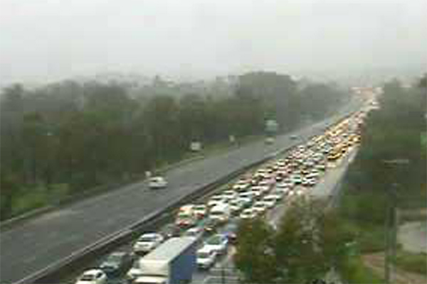 Road chaos ensues in Southern Queensland after road closures