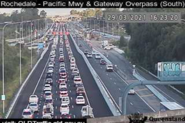 Article image for Brisbane exodus: Roads packed as drivers flee the city