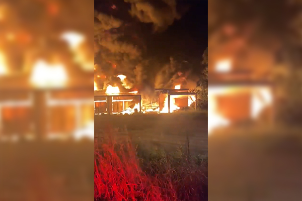 Suspicious shed inferno blankets Park Ridge in toxic smoke