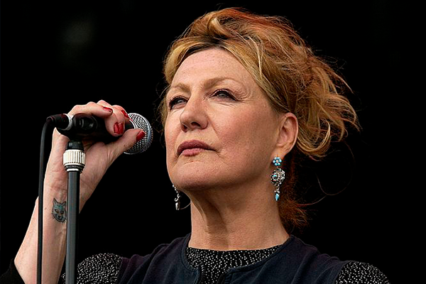 Article image for Beloved Aussie songstress reveals complicated relationship with the stage