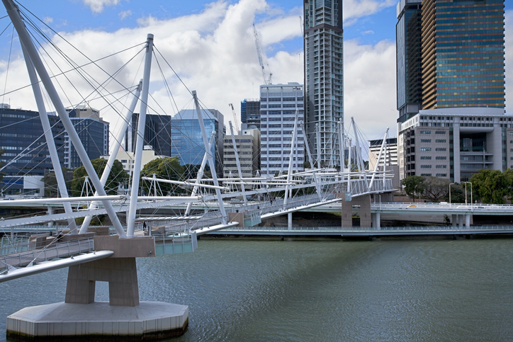 Brisbane city with Kurilpa Bridge