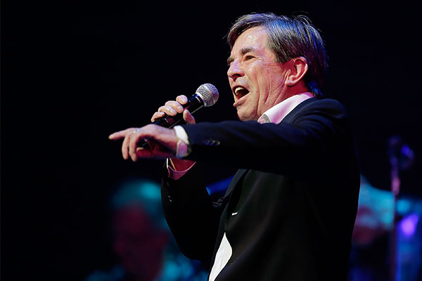 Article image for John Paul Young explains who he owes his musical career to