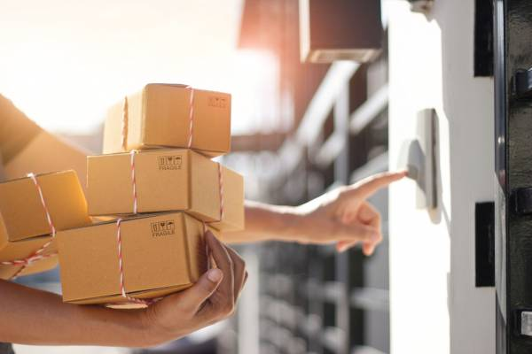 Australia Post backflip welcome news for 'artisan mum and dad producers'