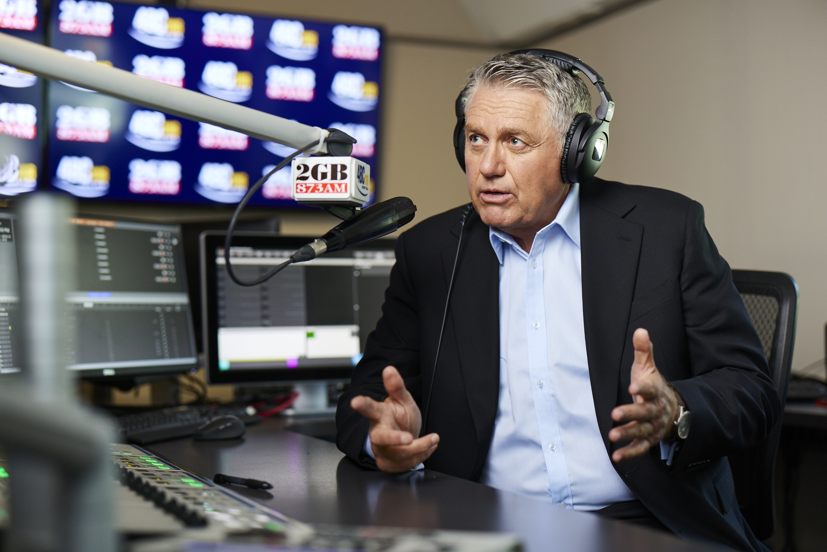 Article image for Ray Hadley calls out 'worrying' headline in The Australian