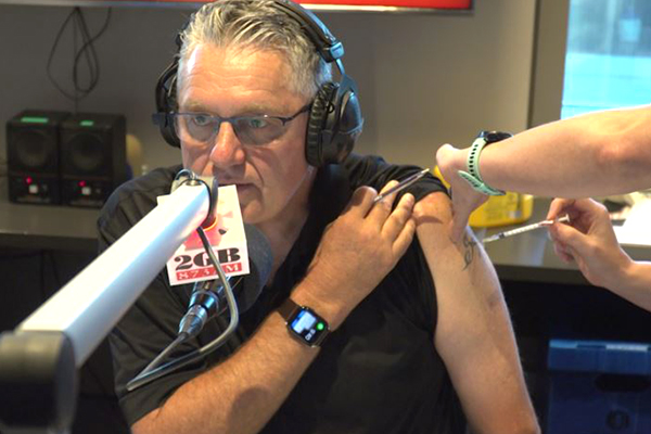 Article image for WATCH | Ray Hadley receives AstraZeneca jab live on-air