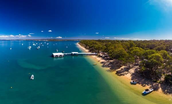 Hope yet for well-loved island beach bar amid council stoush