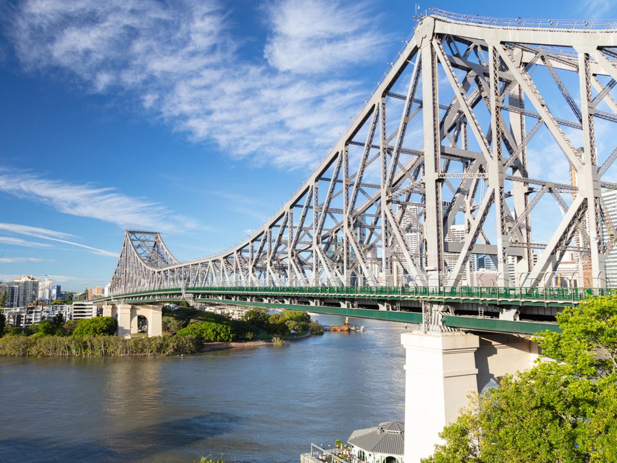 Article image for Council rules pedestrian bridge near Story Bridge unfeasible