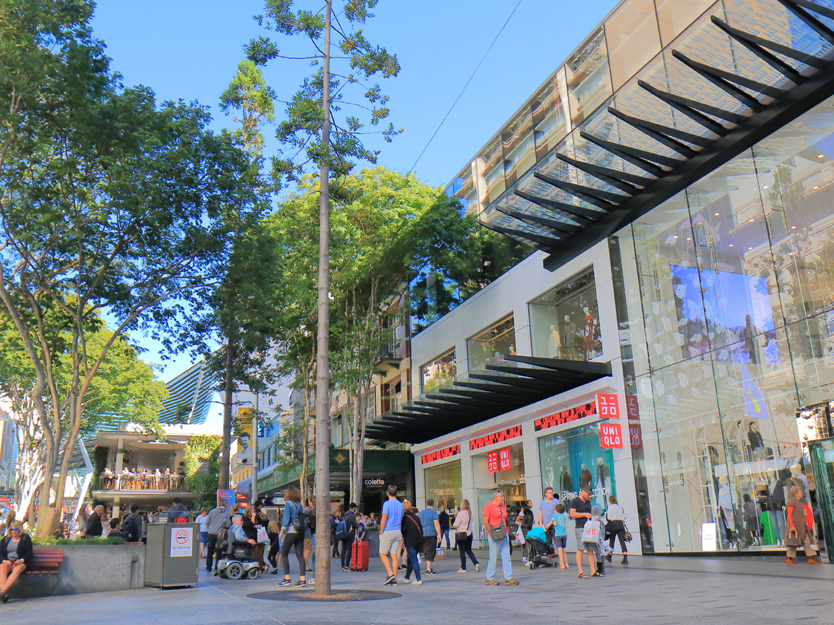 Retailers brace for $300 million loss as lockdowns hit Queensland