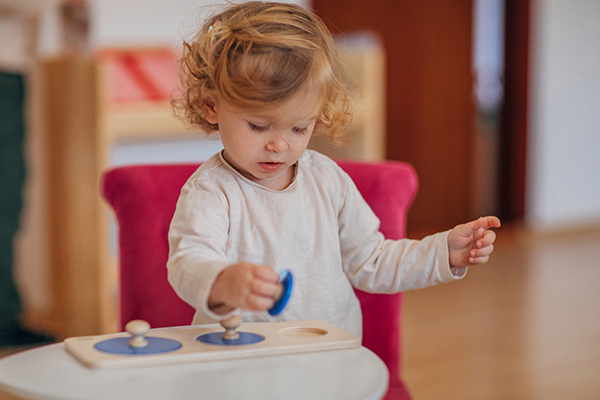 Article image for 'It's just not decent': Push to waive childcare gap fees for all lockdowns