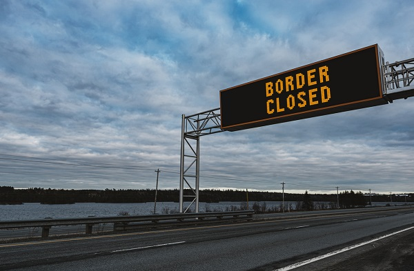 Article image for Push to access health advice that shut Queensland's borders delayed once again