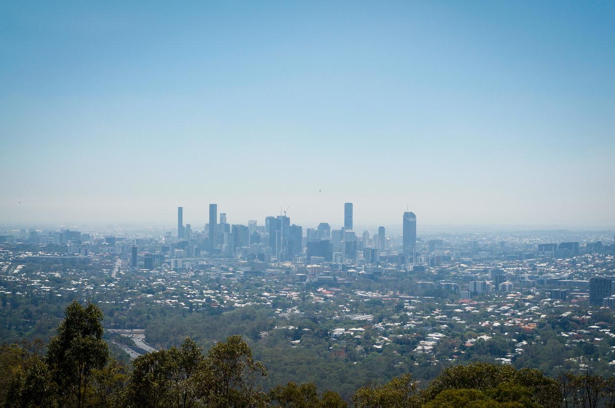 Smoke around greater Brisbane as burn-offs begin