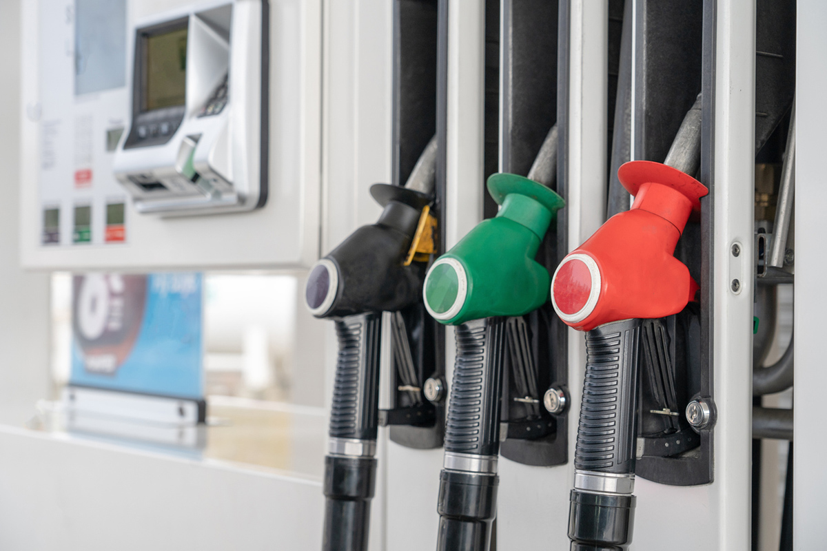 Article image for Cheap fuel 'could be gone by tonight' with cycle predicted to soar to eyewatering prices