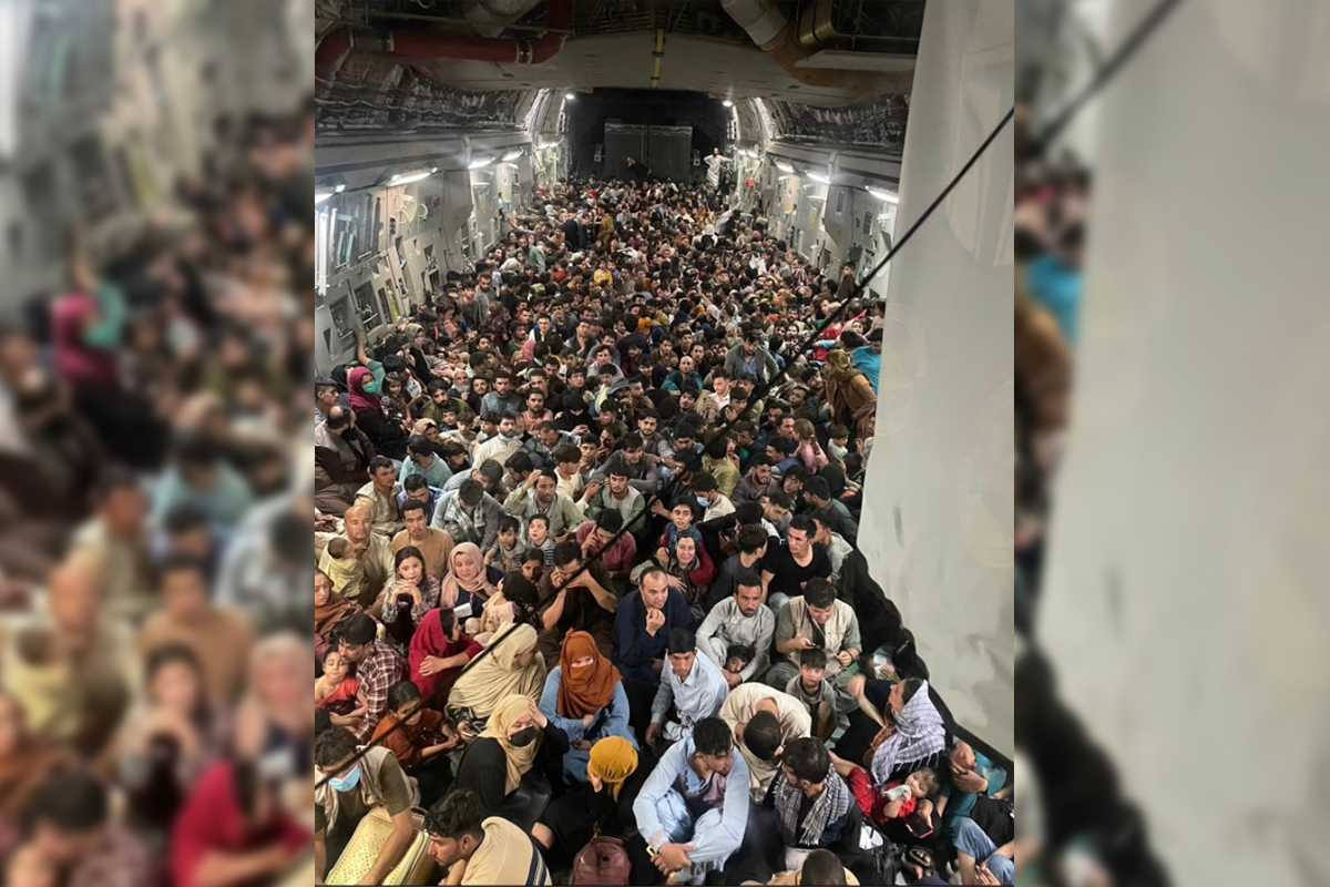 Article image for Hundreds packed onto aircraft floor in Afghanistan evacuation