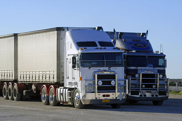 Article image for Truckies' strike go-ahead an 'unconscionable' move, Toll President says