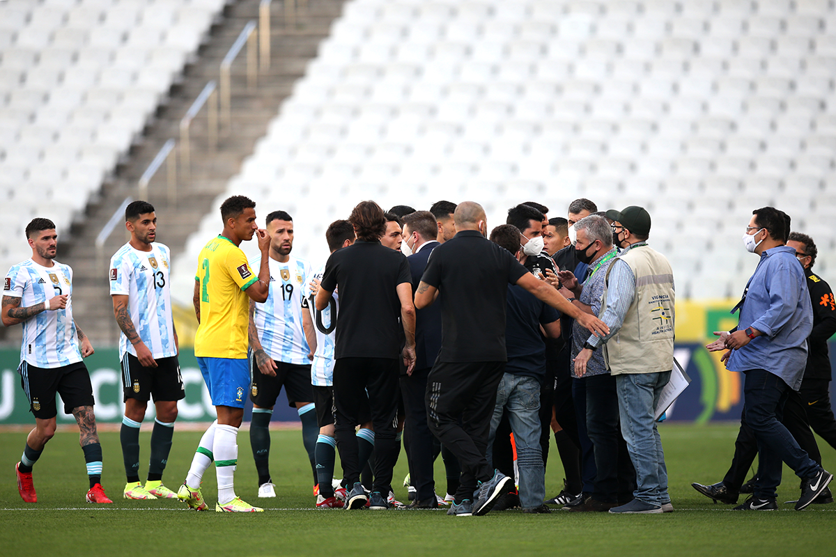 Article image for Brazil v Argentina: Health officials storm field at World Cup qualifier