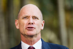 Campbell Newman takes swipe at PM for 'diminished' federal government