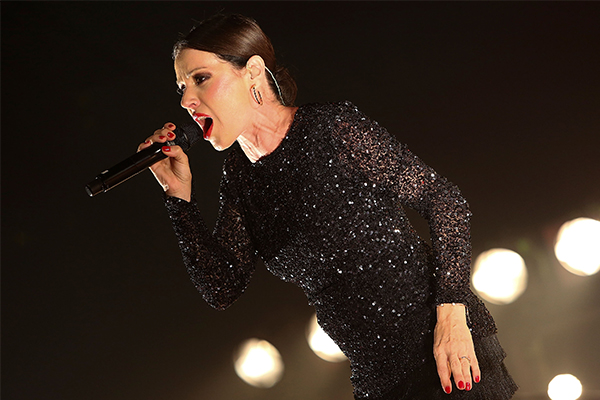 Article image for Tina Arena calls out 'blatant double standards' in COVID response