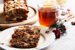Two simple ways to make rich fruit cakes ahead of Christmas