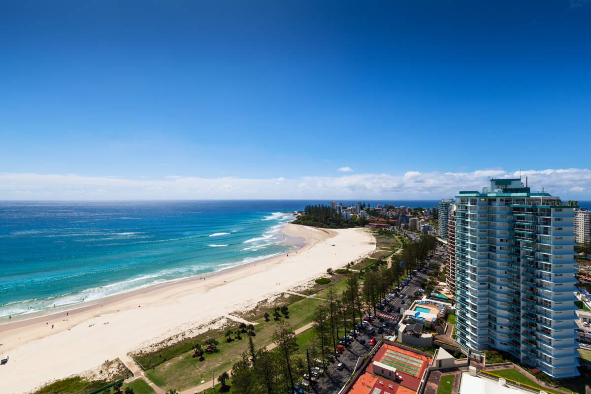 Article image for 'Really tough': Coolangatta-Tweed border uncertainty leads businesses to dire prediction