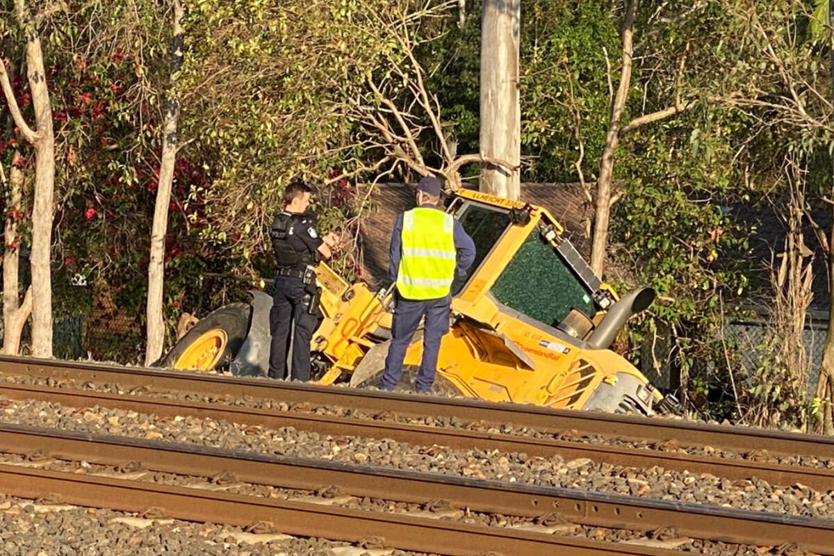Article image for Ipswich train chaos as bizarre police chase goes off the rails