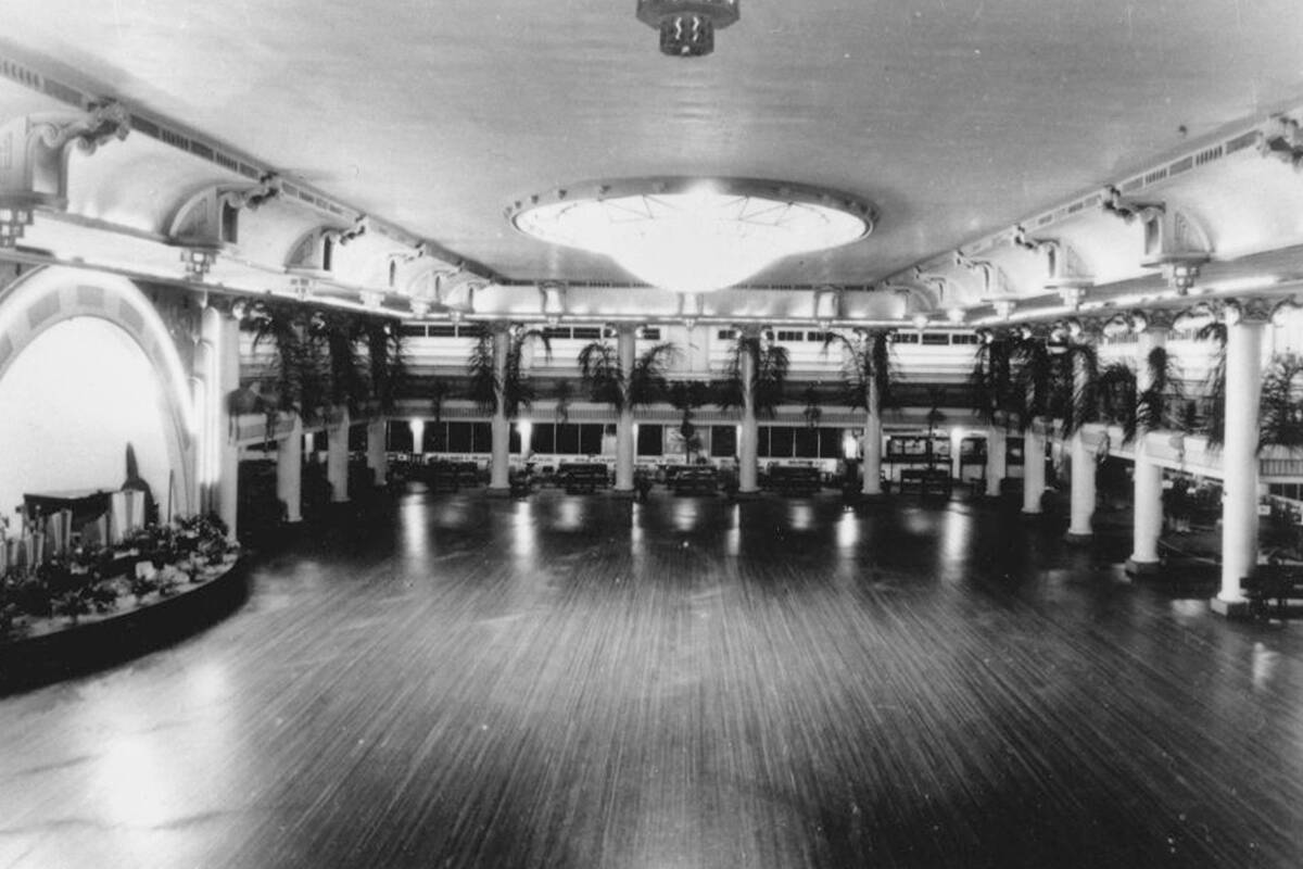 Article image for Living memories: Remembering Cloudland, Queensland's queen of the ballrooms