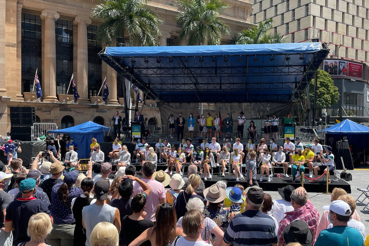 Article image for Crowds fill King George Square as Brisbane welcomes home heroes